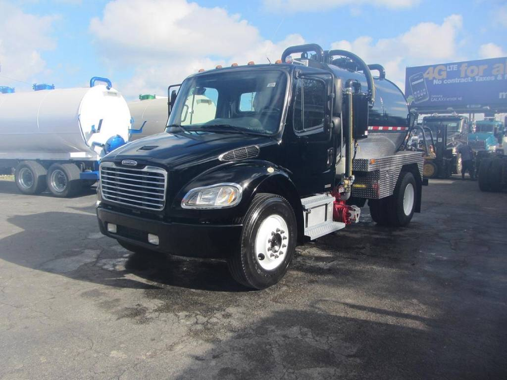 2007 Freightliner Business Class M2 112 For Sale in Miami, FL - Commercial  Truck Trader