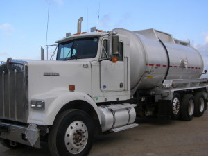 2004 KENWORTH W900 Conventional - Day Cab, Dallas TX - 114955780 - CommercialTruckTrader.com