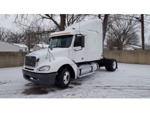 2002 FREIGHTLINER COLUMBIA CL12064ST