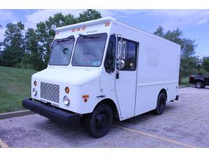 2003 Workhorse WORKHORSE Box Truck - Straight Truck, WICKLIFFE OH - 122726576 - CommercialTruckTrader.com