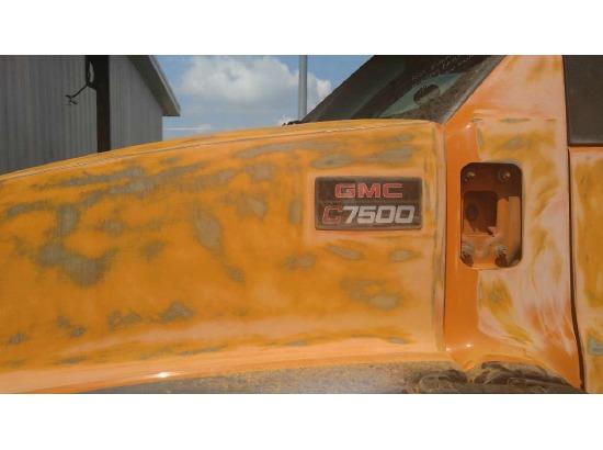 2005 GMC C7500 ,Fort Wayne IN - 5001003324 - CommercialTruckTrader.com