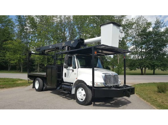 2004 International IHC 4200 VT365 ,Fort Wayne IN - 5001003348 - CommercialTruckTrader.com