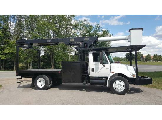 2004 International IHC 4200 VT365 Bucket Truck - Boom Truck ,Fort Wayne IN - 5001003348 - CommercialTruckTrader.com