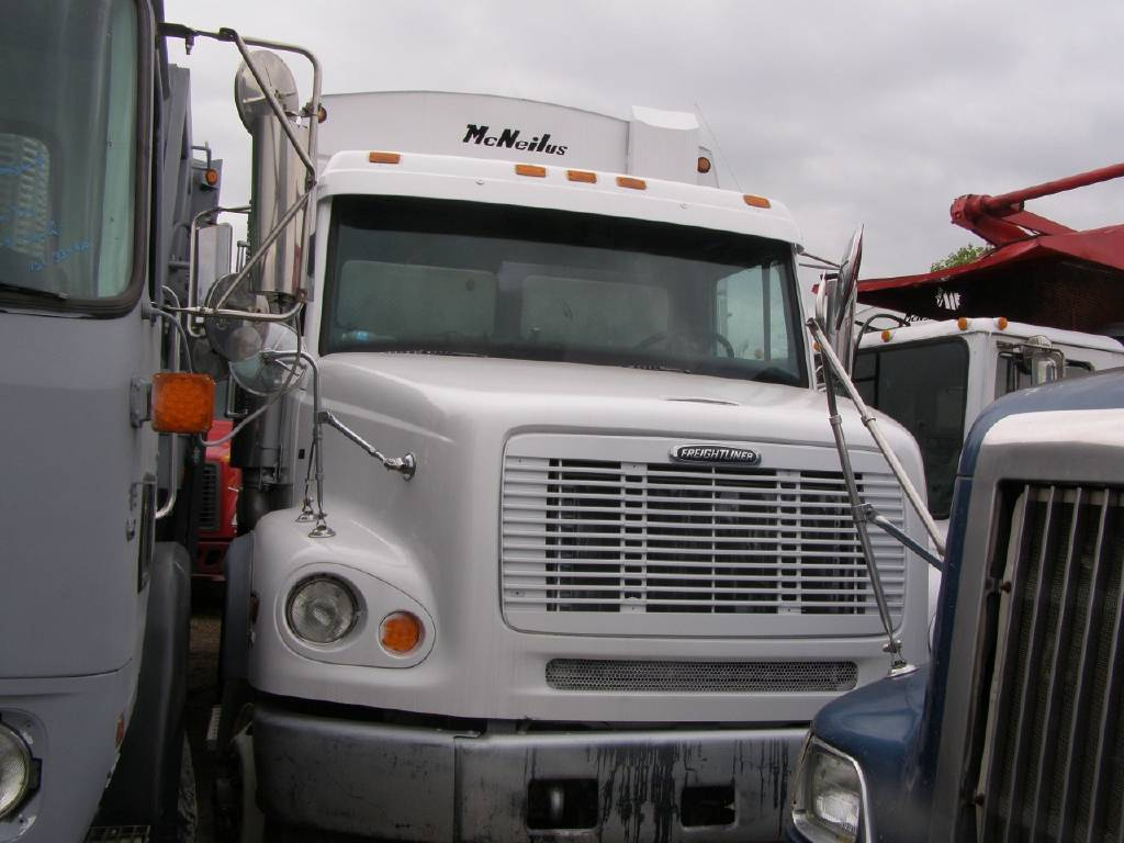 2004 Freightliner FL112 For Sale in Dallas, TX - Commercial Truck Trader