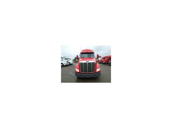2017 Peterbilt 579 Tractor ,West Bloomfield MI - 5003023084 - CommercialTruckTrader.com
