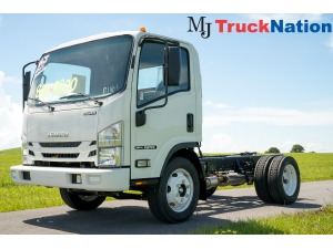 2019 ISUZU NPR Box Truck - Straight Truck, Riviera Beach FL - 5004025510 - CommercialTruckTrader.com