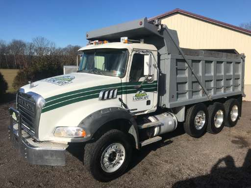 commercial truck trader new and used commercial trucks for sale