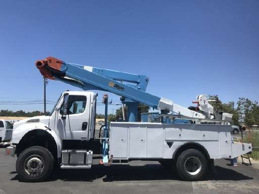 Used Bucket Trucks For Sale >> New And Used Trucks For Sale On Commercialtrucktrader Com