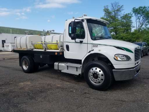 c895f35e84 2007 Freightliner BUSINESS CLASS M2 Spray Truck in North Brunswick