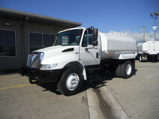 2014 INTERNATIONAL DURASTAR 4300 Water Tank, Water Truck