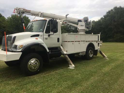 2006 International 7300 Digger Derrick