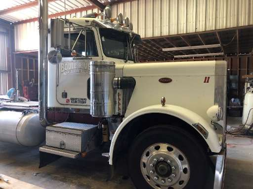 1985 Peterbilt 359 Conventional - Day Cab
