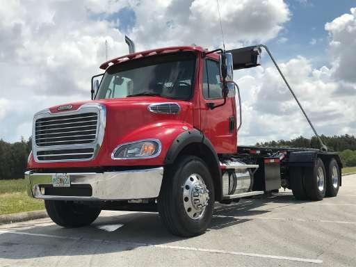 2014 Freightliner BUSINESS CLASS M2 112 Roll Off Truck