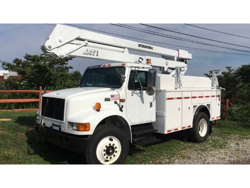 2001 INTERNATIONAL 4700 Bucket Truck Boom Truck