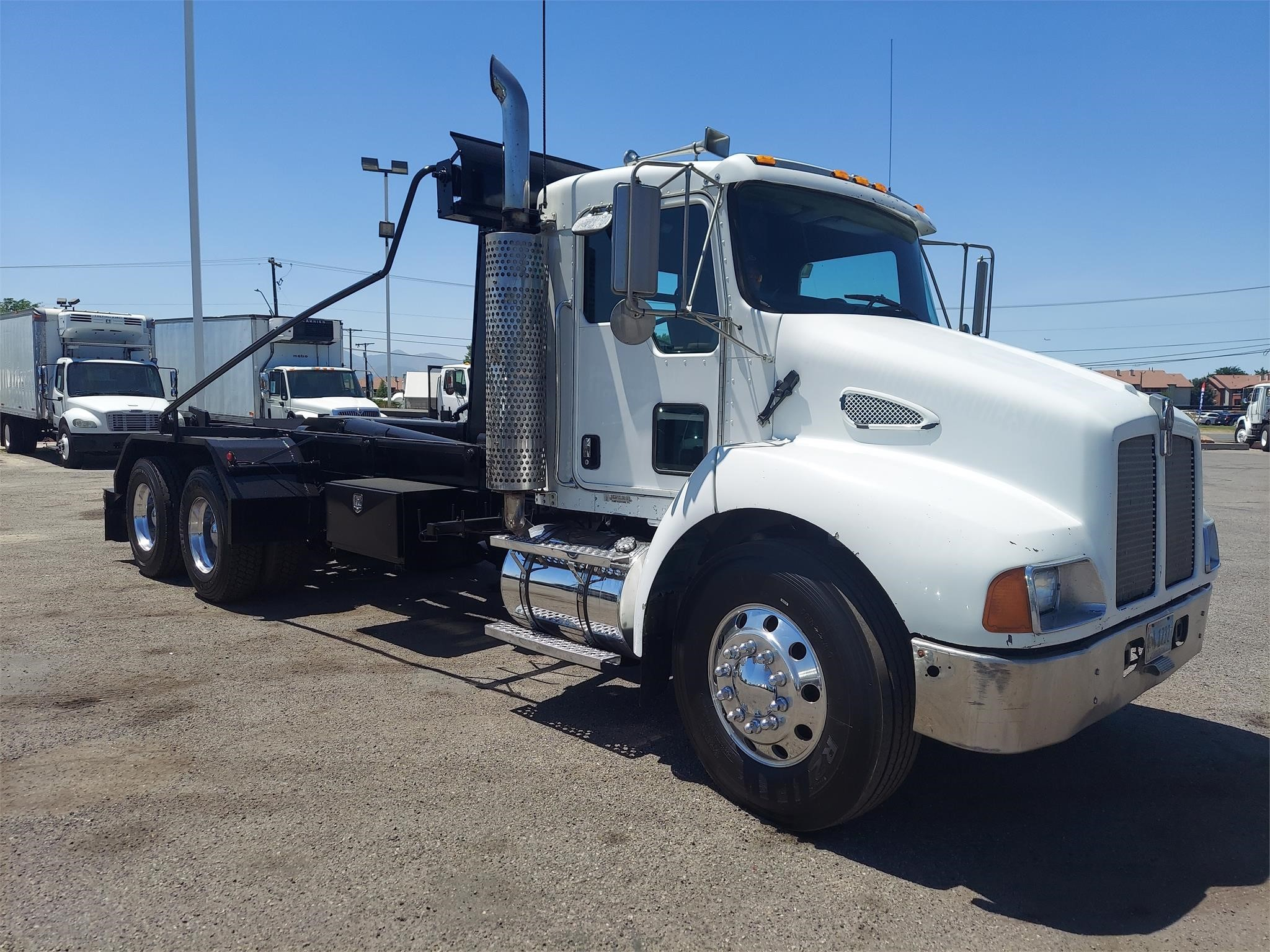 Used, 2003, KENWORTH, T300, Hooklift Truck