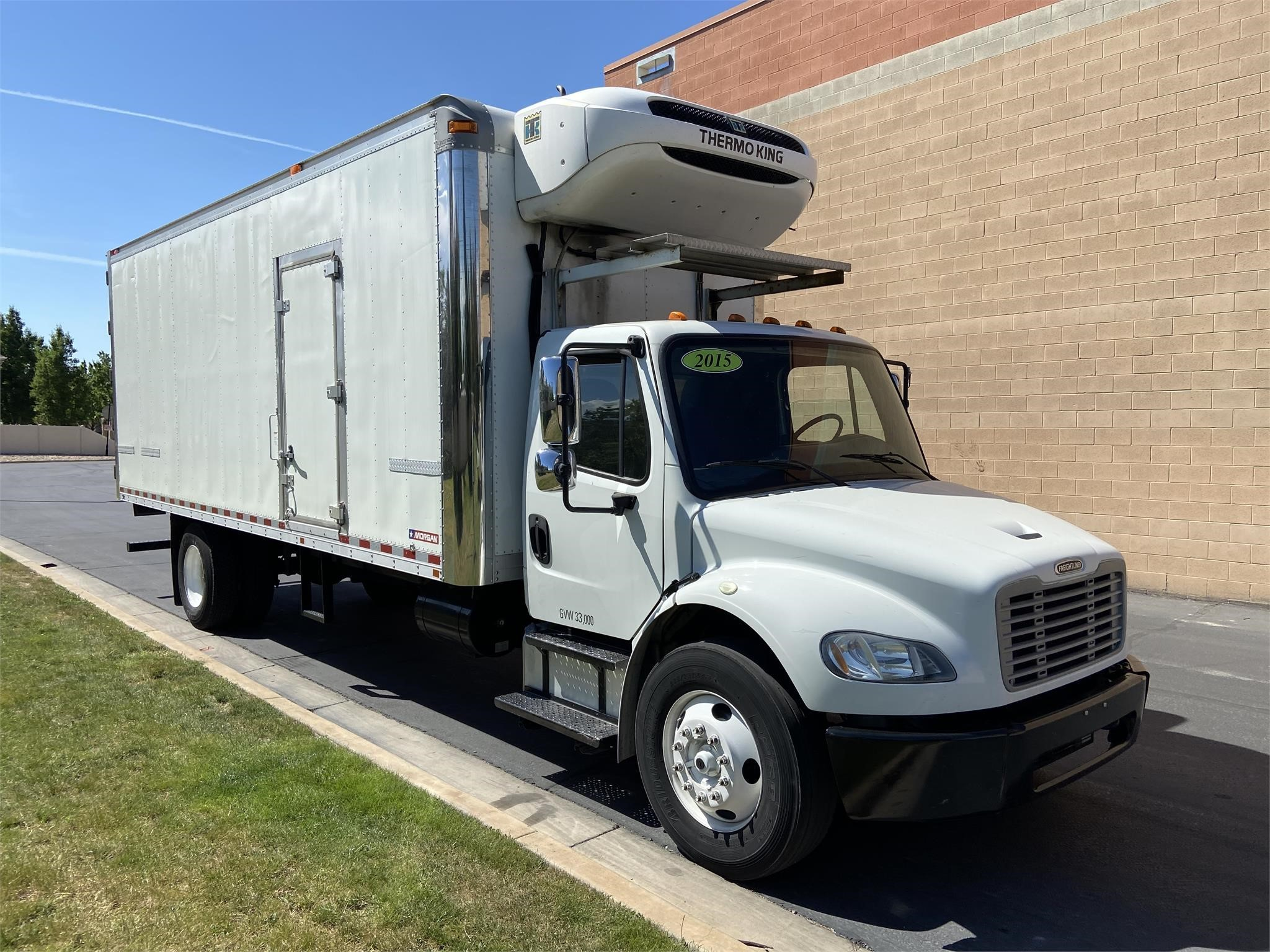 Used, 2015, FREIGHTLINER, BUSINESS CLASS M2 106, Reefer/Refrigerated Truck
