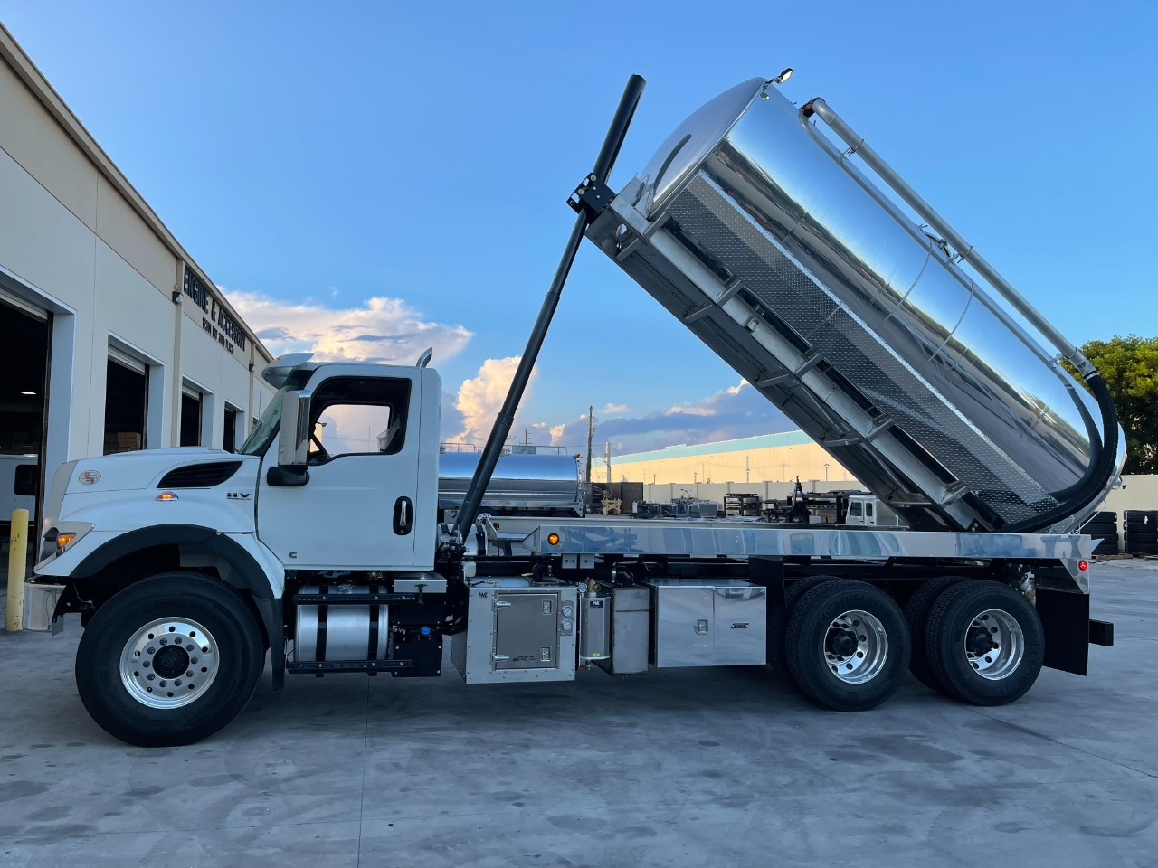 New, 2022, INTERNATIONAL, HV, Vacuum Truck