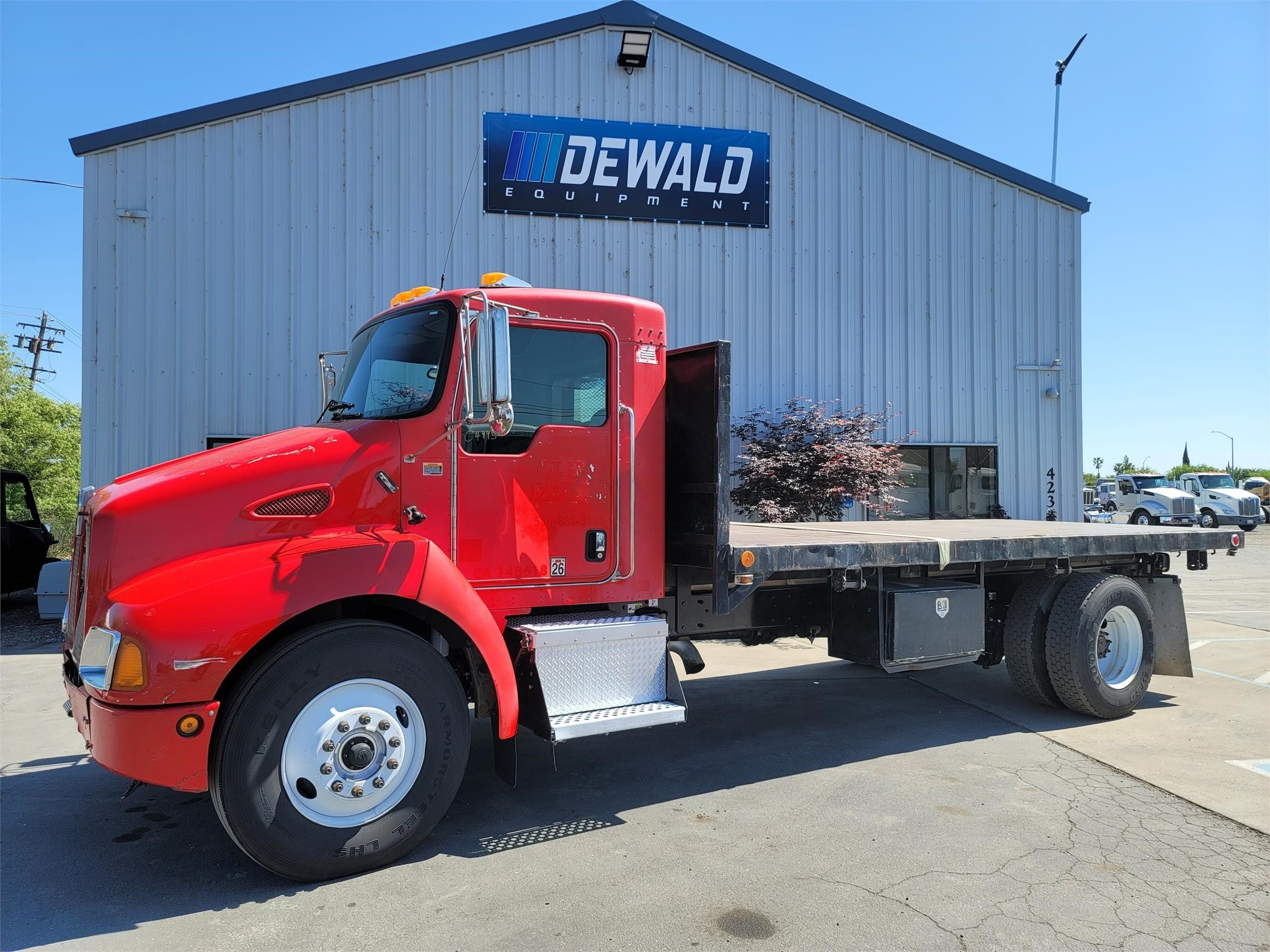 Used, 2004, KENWORTH, T300, Flatbed Truck